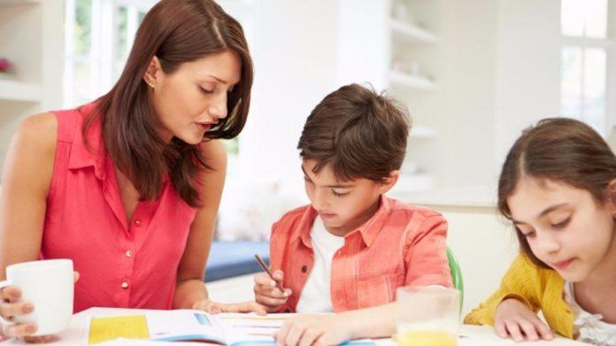 balance-family-time-mom-children-homework